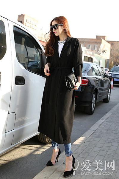 女士风衣就要长 飘逸有型才时尚