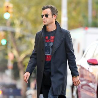 贾斯汀·塞洛克斯  身穿黑色风衣帅气在纽约外出