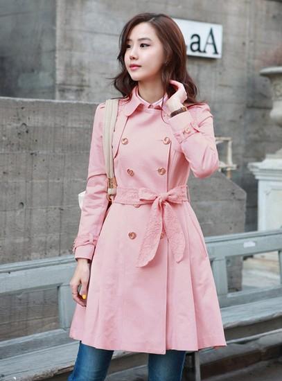 时尚风衣穿出多彩心情 保暖而又易于搭配
