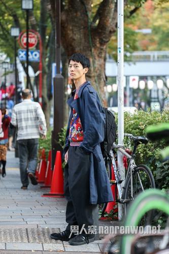 日本街拍:机车皮衣帅气突击