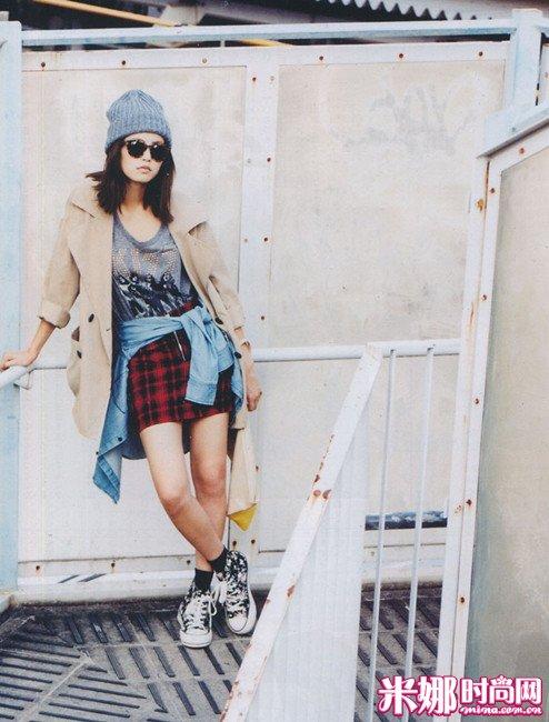 本季搭配目标是每天一款轻摇滚女生装扮